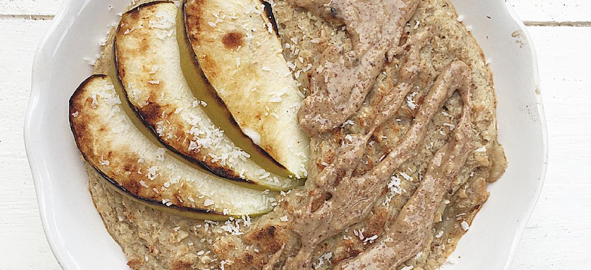 Porridge gratinato al forno senza glutine alla mela e cocco.