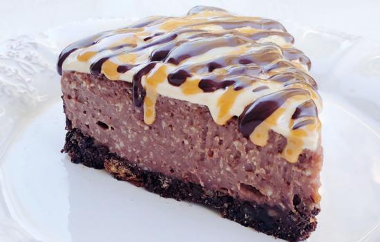 Cheesecake senza lattosio alla nocciola, cacao e caffè