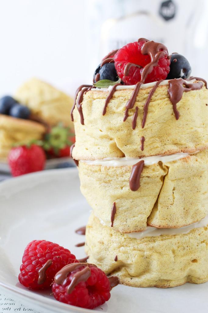 Ricetta Pancake Benedetta Rossi.Pancakes Giapponesi Senza Zucchero Con Farina Di Farro Integrale Delicious Breakfast