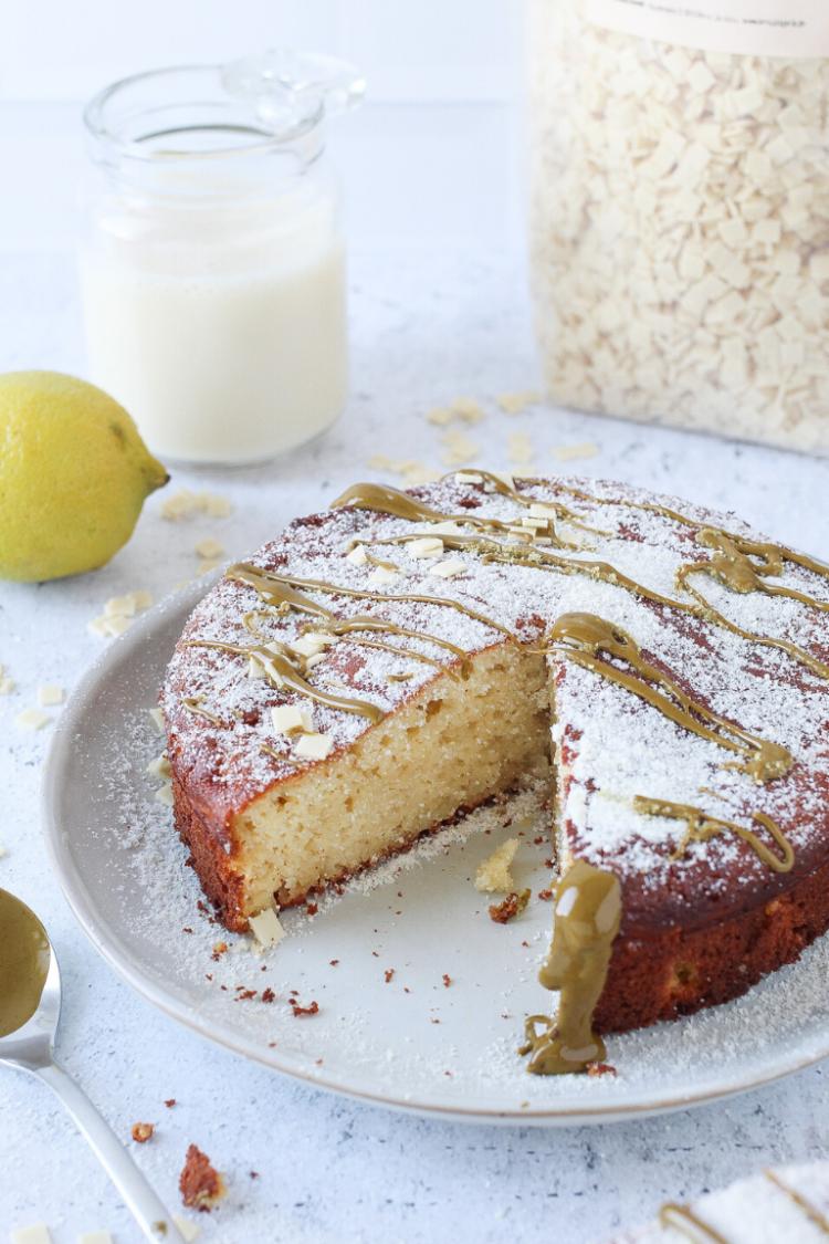 Torta Caprese senza burro e zucchero | limone e cioccolato bianco
