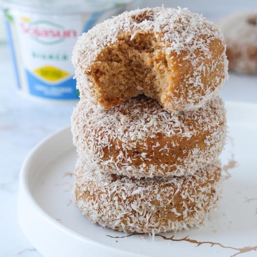 Donuts vegani alla cannella e cocco