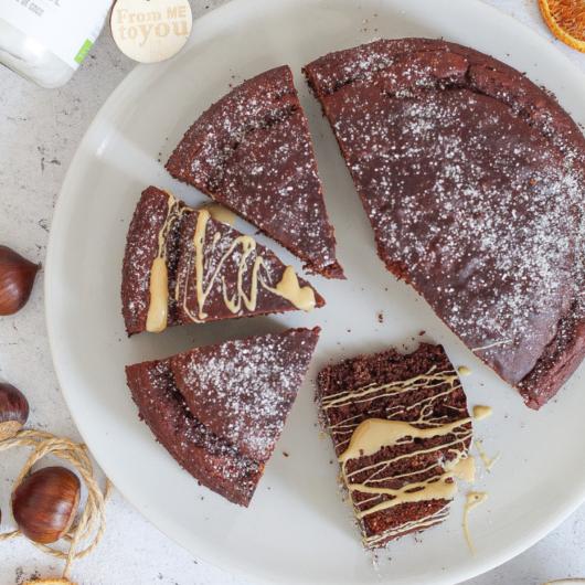 Torta cacao e castagne senza burro