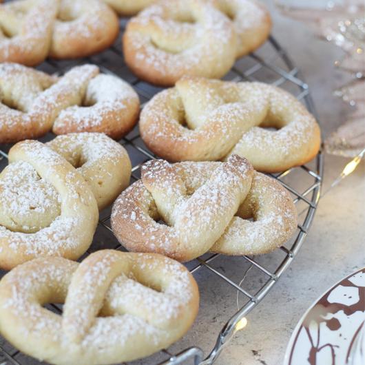 Biscotti di Natale speziati di pasta frolla alla ricotta